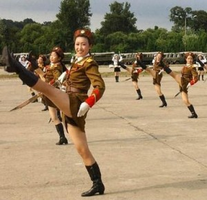 north_korean_army_babes_md-300x290.jpg