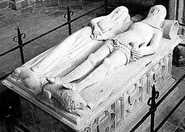 an arundel tomb by philip larkin essay Philip larkin and an arundel tomb an arundel tomb is almost a love poem written by larkin in 1956 and first published in the book the whitsun weddings of 1964.