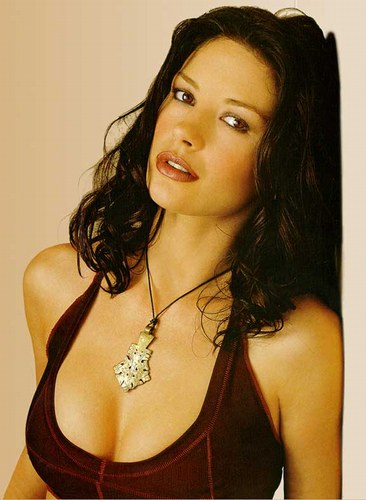 http://everseradio.com/wp-content/uploads/2010/01/catherine-zeta-jones-20040405-10.jpg
