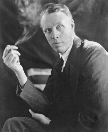 an analysis of the novel babbitt by sinclair lewis Dive deep into sinclair lewis' babbitt with extended analysis, commentary, and   midwestern city that lewis made a principal setting in this novel, as well as in.