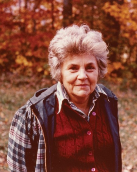 five flights up elizabeth bishop While elizabeth bishop and william stafford both personify the harbingers of morning in their poems five flights up and five am, the two poets discuss the morning from very different perspectives.