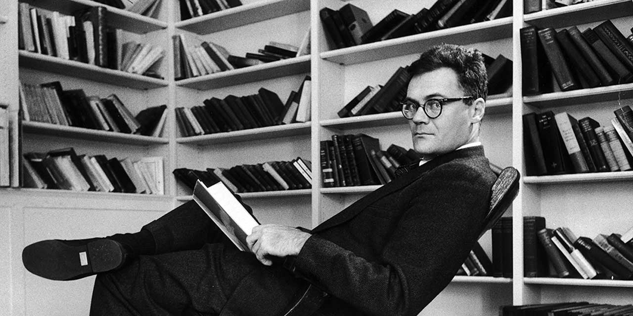 Dunbarton by Robert Lowell Article example